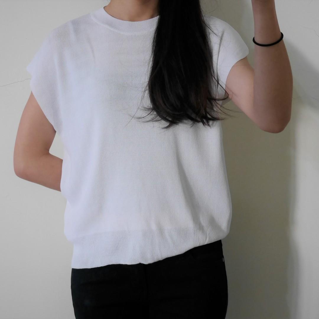 mixxo 薄針織白短袖上衣