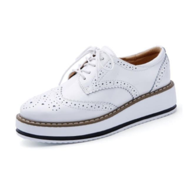 Oxford Brogues In White