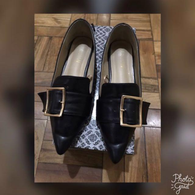 Parisian Flat Shoes- Size 6