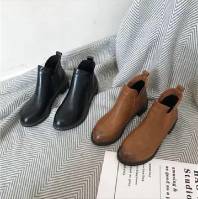 全新黑色pu皮短靴 低跟 36號黑色