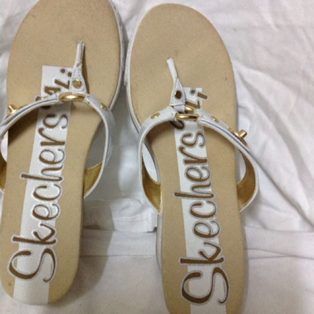 📌REPRICED📌Sketchers slippers