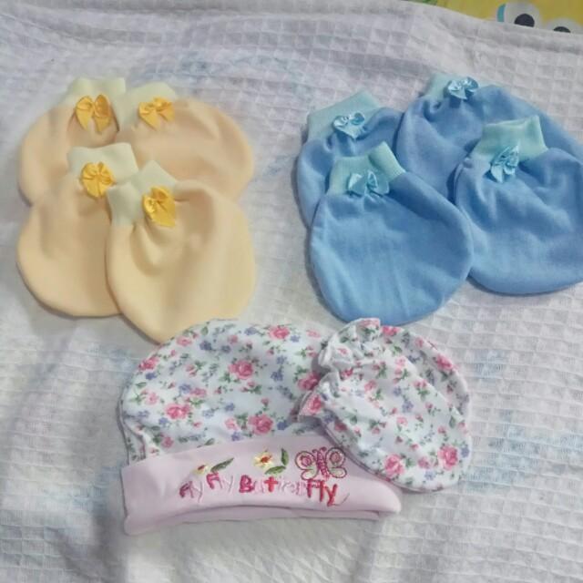 satu set sarung tangan n kaki bayi