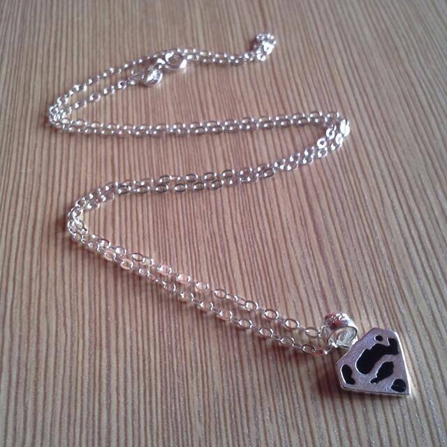 Silver necklace (superman)