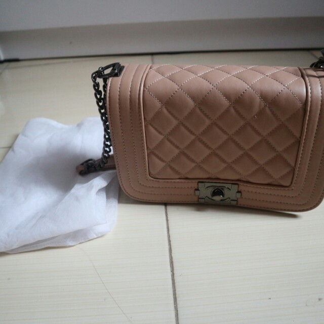 Tas Batam Chanel Boy Mini Apricot Nude