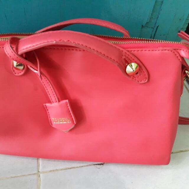 Tas Sling Bag Pink