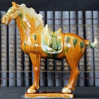 唐三彩陶瓷啡黃馬擺件