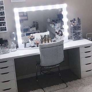 NEW IN BOX -  HOLLYWOOD LIGHT SET UP - MIRROR AND VANITY - WHITE - THE ULTIMATE VANITY SET UP