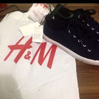 Sepatu HnM with tag