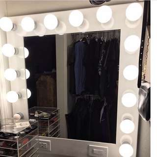 NEW IN BOX - STRETCH WIDTH VANITY MIRROR - WHITE HOLLYWOOD GLAMOUR
