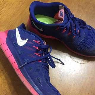 🚚 Nike free 5.0 陪妳上健身房的跑鞋