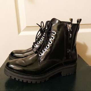 NEW Size 6.5 Black Patent Leather Boots