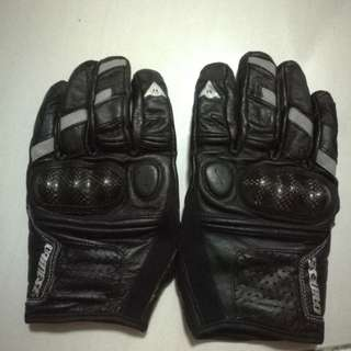 Dainese motorcycle glove - M size