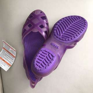 Crocs J1 BNWT