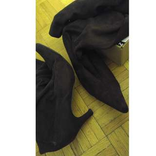 Thigh high boots brown size 7-8