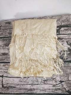 🚚 米白色圍巾