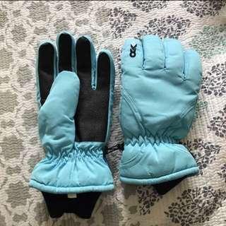 BNWOT Snow Gloves S
