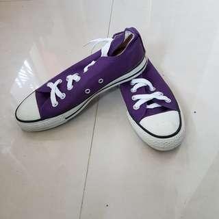 全新~All Star // Converse 紫色帆布鞋-3號半