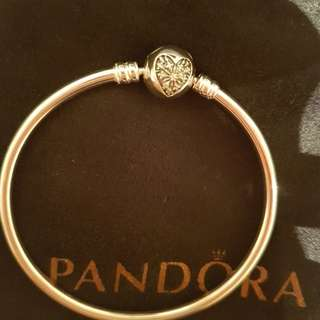 Pandora bangle xmas limited edition