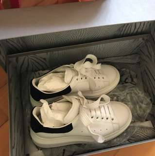 Alexander McQueen size 35 LARRY sneakers (white and black)
