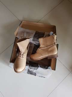 (US size 8.5)Timberland Boots