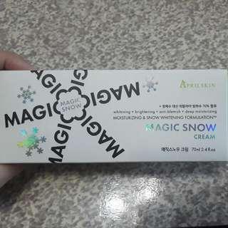 韓國April skin magic snow素顏美白霜