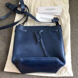 Minima Handcrafted leather bucket bag