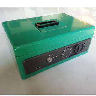 Cash Box JT99 c/w with keys and dial lock -Free 1 box of Vietnam Drip Coffee