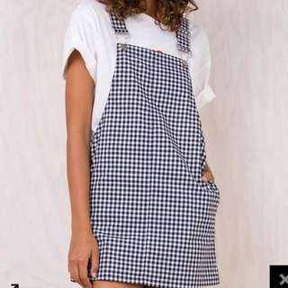 Gingham Pinafore   Size 8