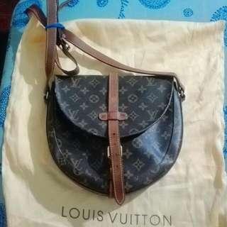 lv vintage sling bag