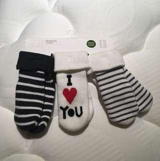 H&M newborn socks