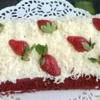 Cake stwberry lapis