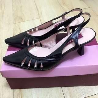 Effie低跟女鞋 23號 (黑色)