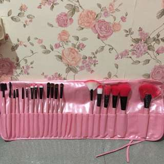Brush Set - 19 pcs