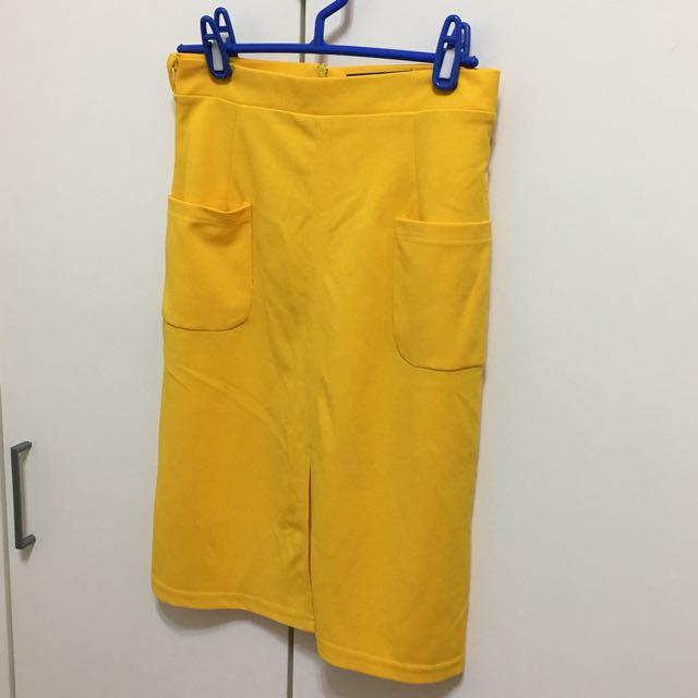 亮黃色窄裙