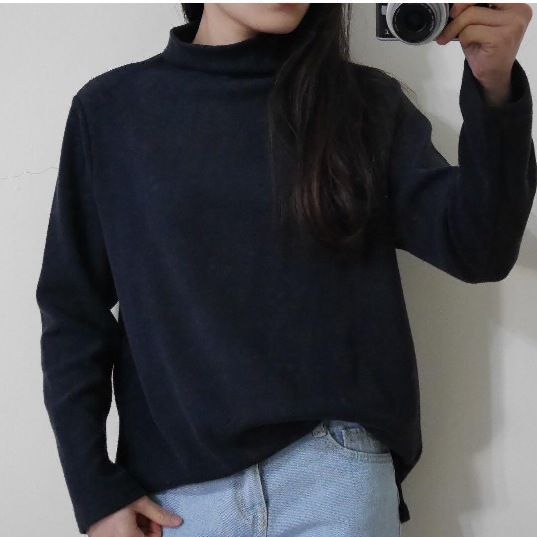 韓/深鐵灰超柔軟微高領上衣