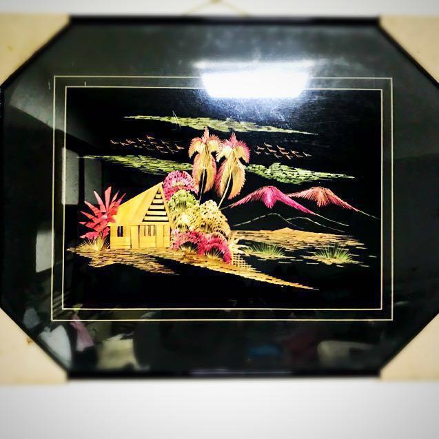 (保存良好)*賠售 東亞風情 手工竹片拼畫 - 棕櫚樹花草鳥傳統房屋山景 已絕版