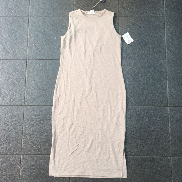 Artisan NY bodycon long sleeveless dress