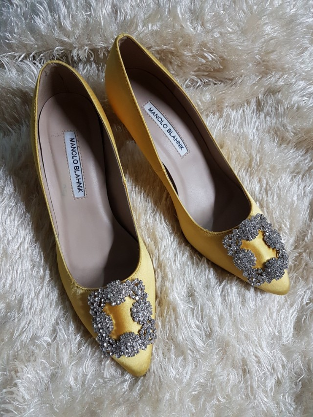 0d433ecd277 Authentic Manolo Blahnik Hangisi In Yellow Satin Kitten Heel Pumps Size 38