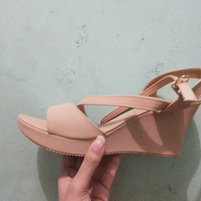 Beige wedge
