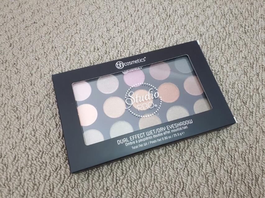 Bh Cosmetics - Studio Pro Dual Effect Wet/Dry Eyeshadow Palette: UNIVERSAL