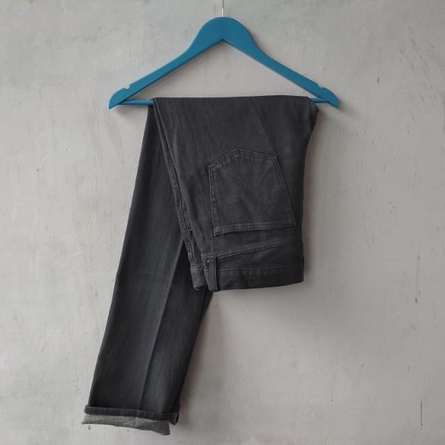 Celana Panjang Uniqlo Selvedge