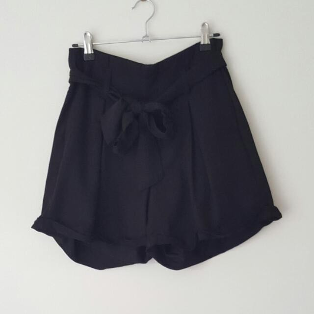 Danni Minogue Petites Black Shorts