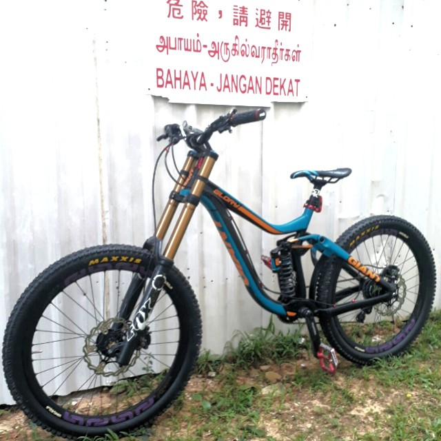 94cc54b855b Giant Glory Downhill Mountain Bike, Bicycles & PMDs, Bicycles on ...