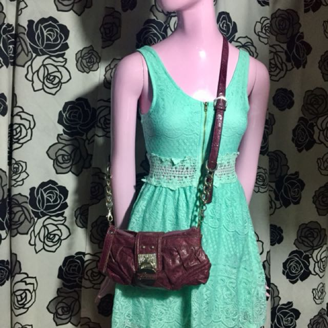 Guess sling authentic