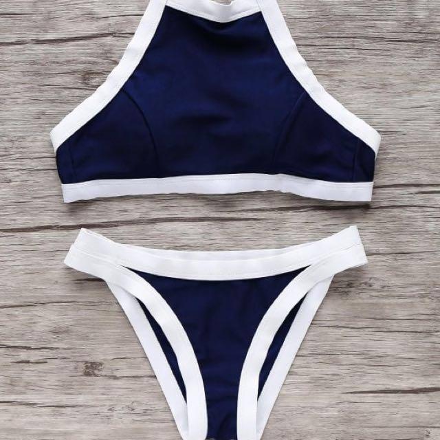 Halter neck bikini set - medium