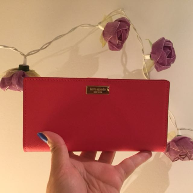 Kate Spade Wallet - Stacy (crabred 646)
