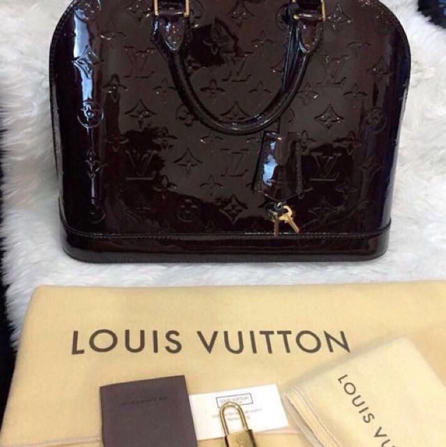 Lv bag like new!!! muluss bangett