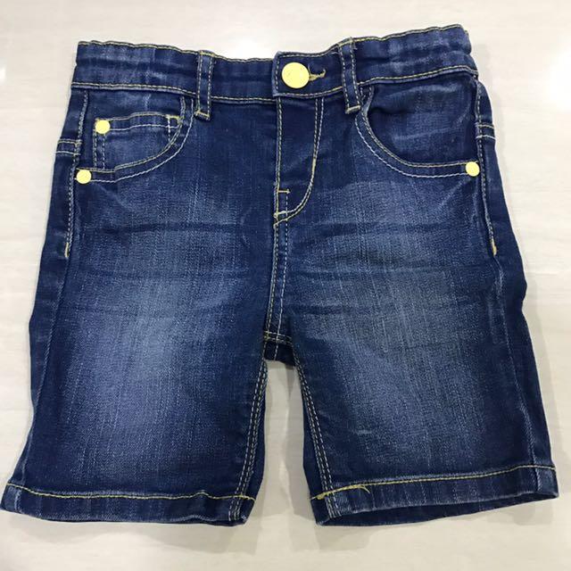Mothercare jeans (selutut) dengan list kuning size 12-18 bulan