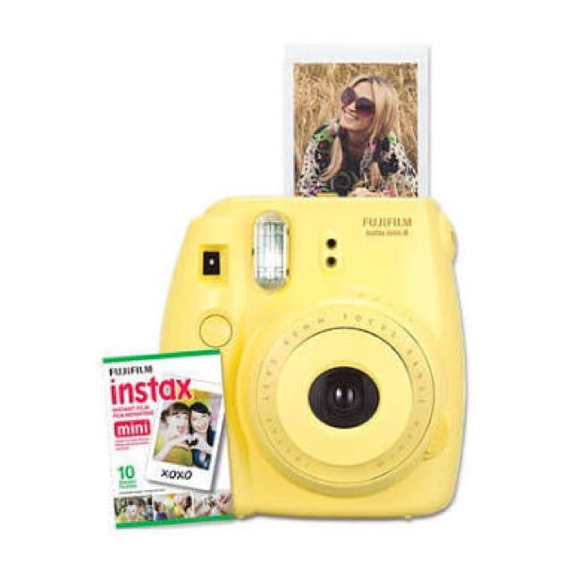 Nego sampai deal. Fujifilm Instax Mini 8 Yellow. Free 1 Pack Instax Paper
