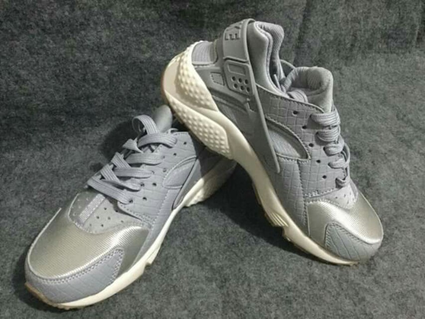 hot sale online 5c34e 93d02 ... closeout nike air huarache wolf grey for women preloved womens fashion  shoes on carousell 8c691 26681